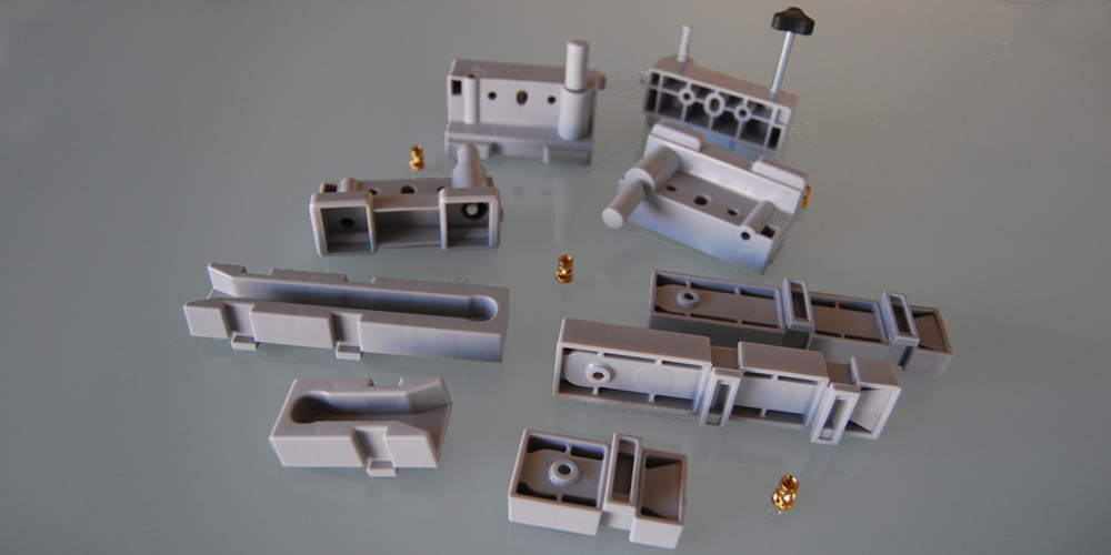 tecnical injection molding of plastic materials italy