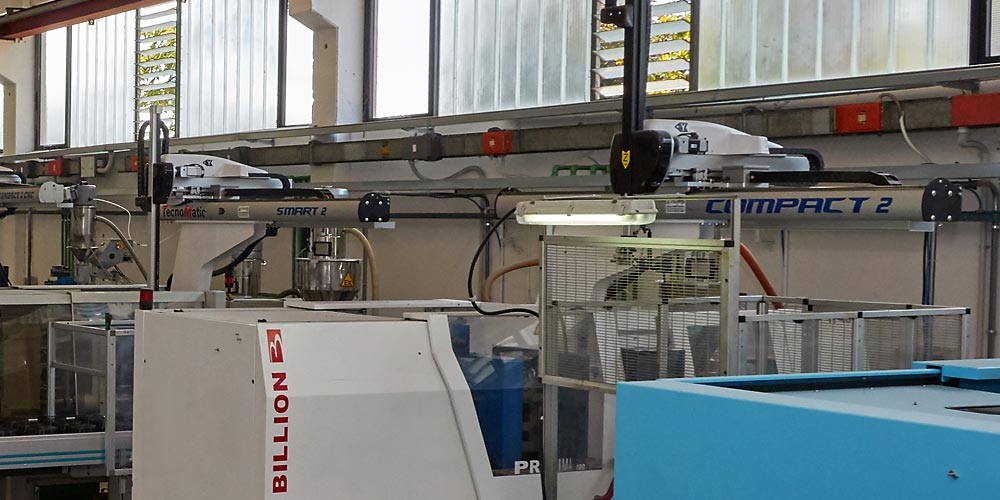 Tecnical Injection Molding of Plastic Materials - Veneto Italy