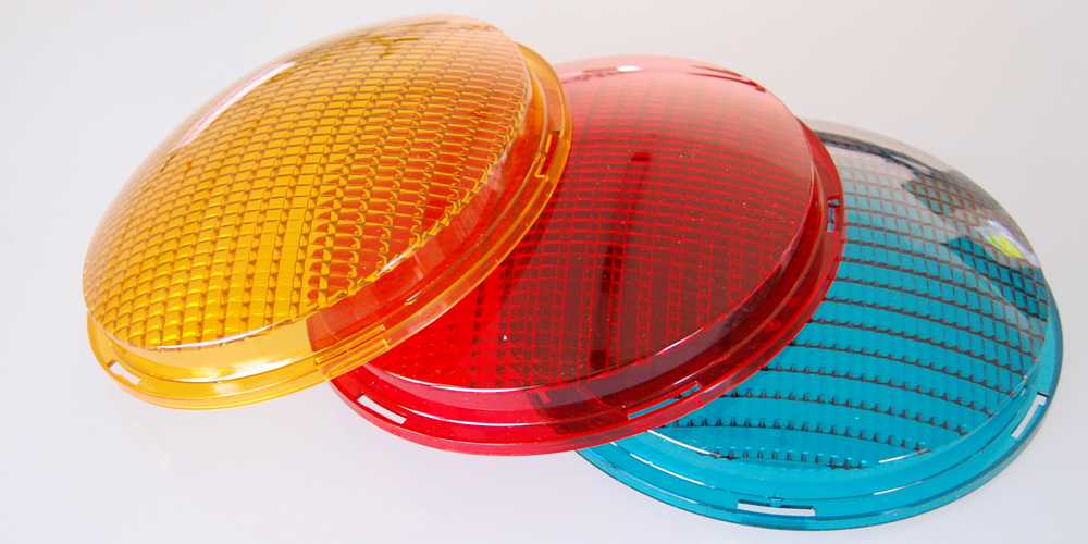 LED lens especially for traffic signal systems - Plastic Mold manufacturer